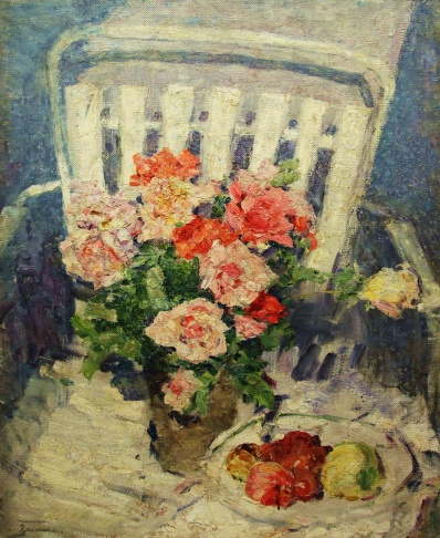 Розы на стуле