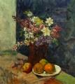 Цветы и яблоки