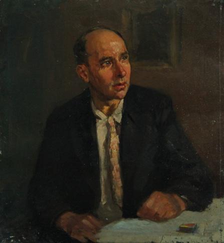 Портрет мужчины с коробком спичек