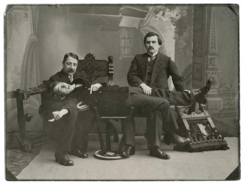 Участники Первого съезда футуристов: Михаил Матюшин, Алексей Крученых, Казимир Малевич. Декабрь 1913 год