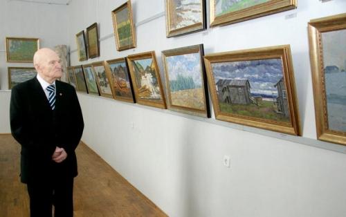 Е.И. Зверьков на своей персональной выставке