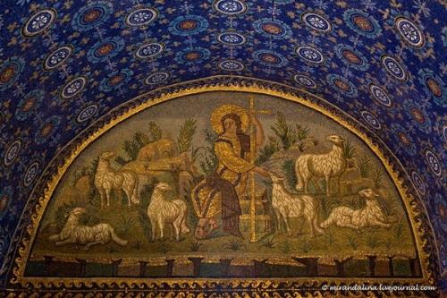 «Христос добрый пастырь». Мозаика мавзолея Галлы Плацидии в Равенне.